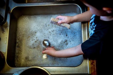washing-dishes-laterjay